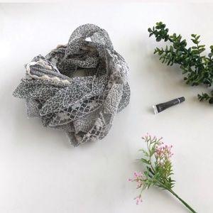 Leopard Chiffon Knit Scarf
